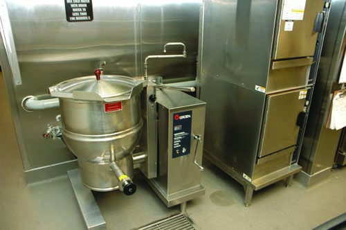 In the back of the house, kettles cook soups served at the beverage station. Convection ovens heat bread and breakfast casseroles.