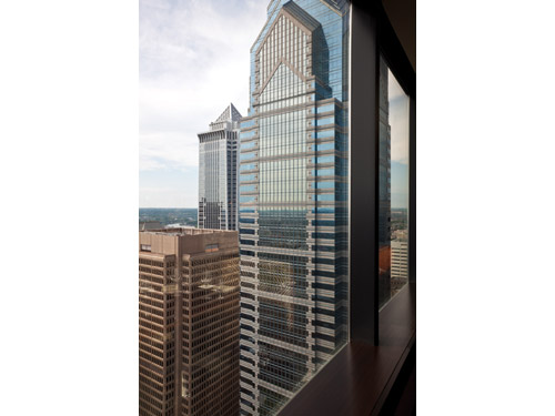 The Residences at Two Liberty Place begin on the 37th floor, which houses the restaurant and concierge services.