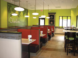 McAlisters-Clinton-with-Mural