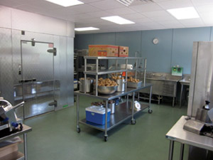 Fresh-Meals-On-Wheels-Produce-Area