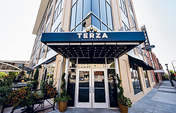 Terza-7108-outdoor-entrance