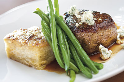 Cru-filet-potatoes-beans