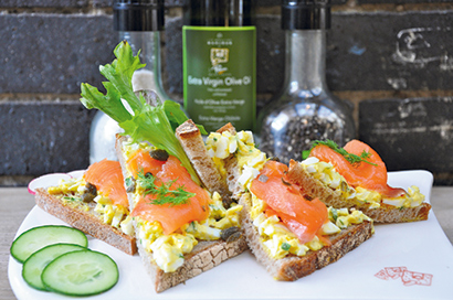 Le-Pain-Salmon-Tartine