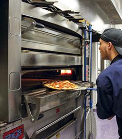Rotolo pizza baking